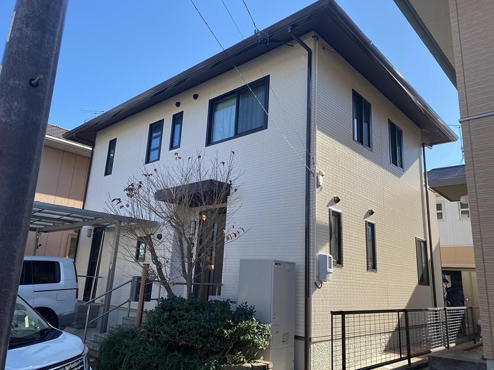 豊川市光明町での外壁・屋根塗装工事  O様邸