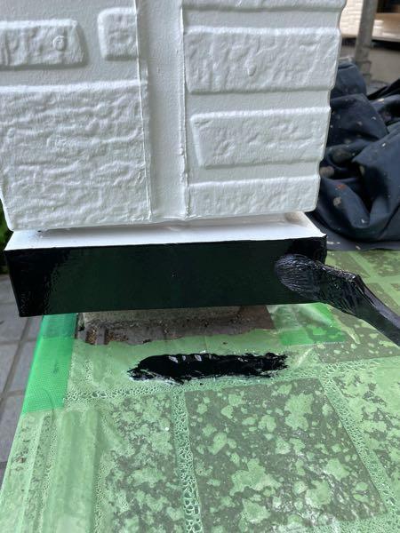 土台水切り2回目塗装(仕上げ塗り)です。