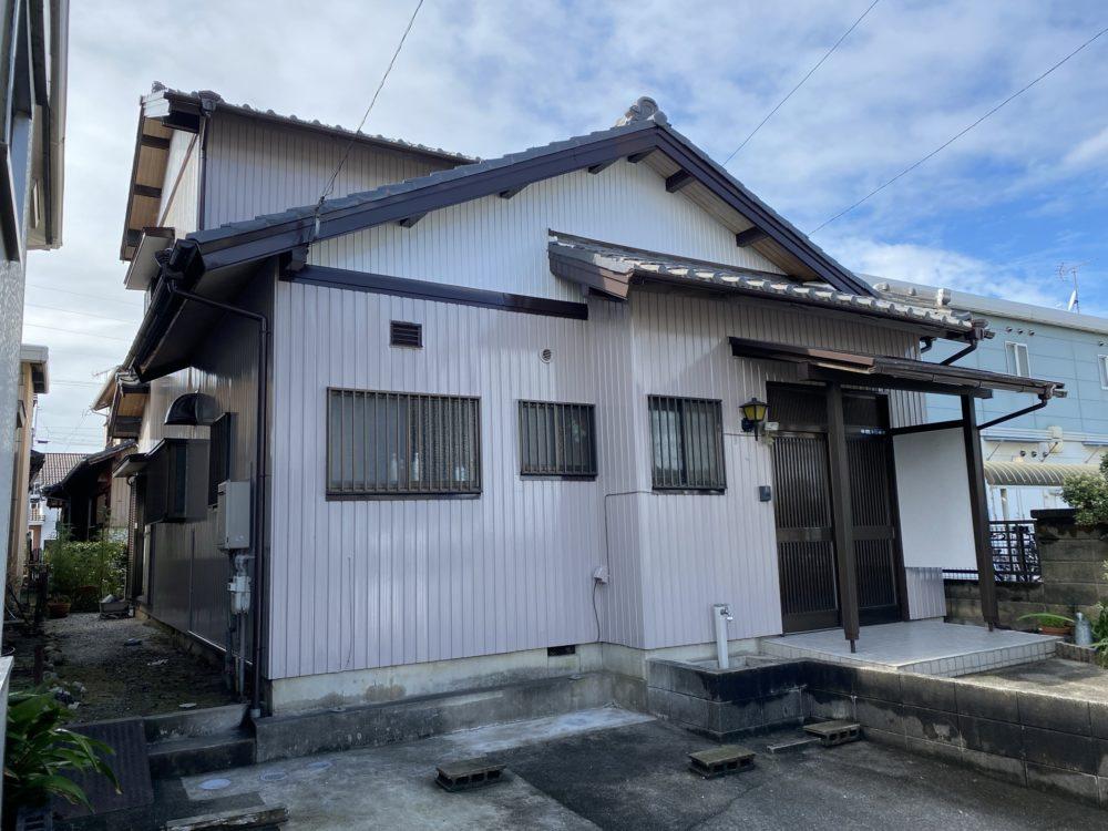 豊川市八幡町 トタン外壁の塗替え!ついでに気になるお家のお悩みをすべて解決
