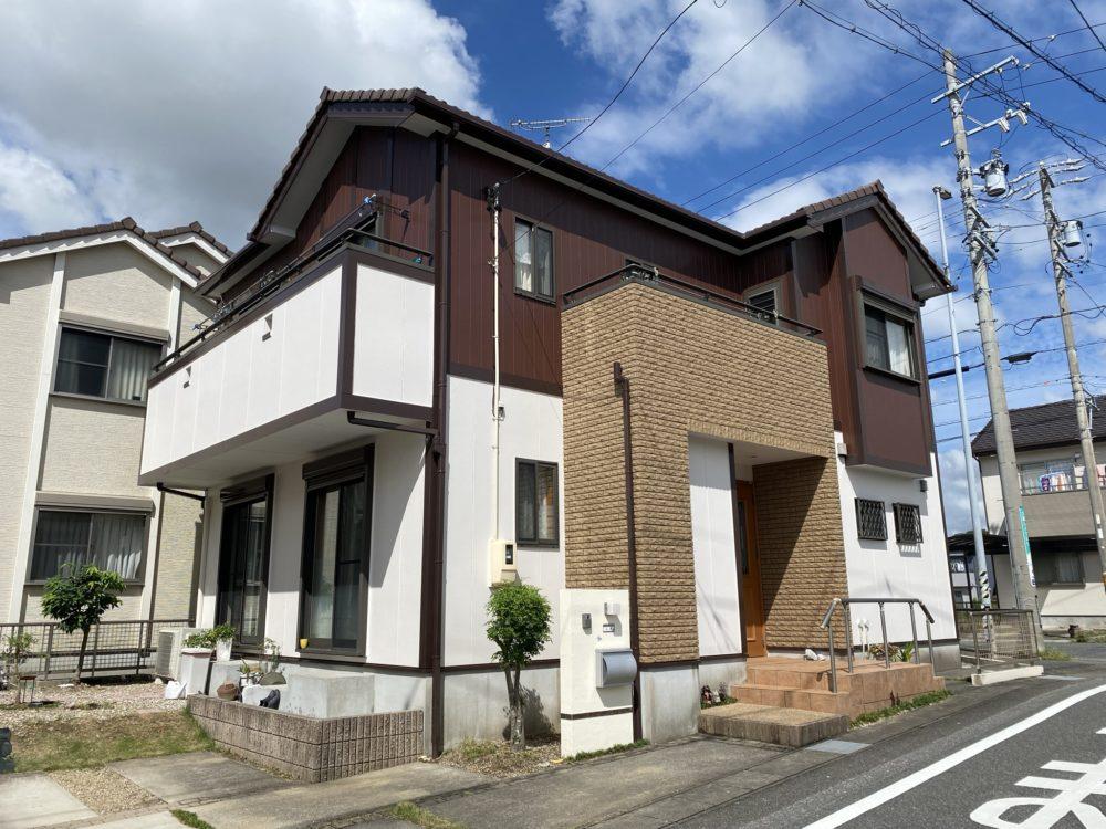 豊川市平尾町 超高耐候AGCフッソで素敵に塗替え完了しました!